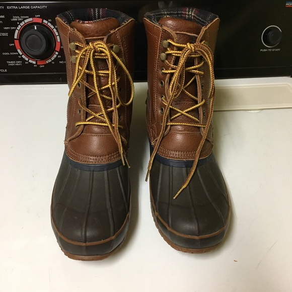 c07aed389c6 Brooks Brothers Other - Brooks Brothers Lined Duck Boots!